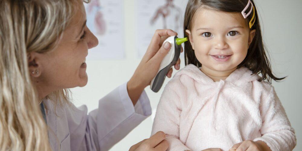 jak léčit zánět středního ucha u dětí